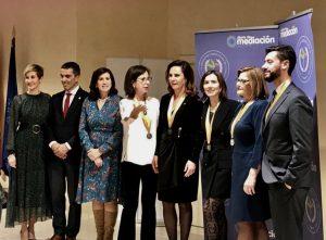 abogada elena crespo medalla merito profesional 2019 mediacion familiar
