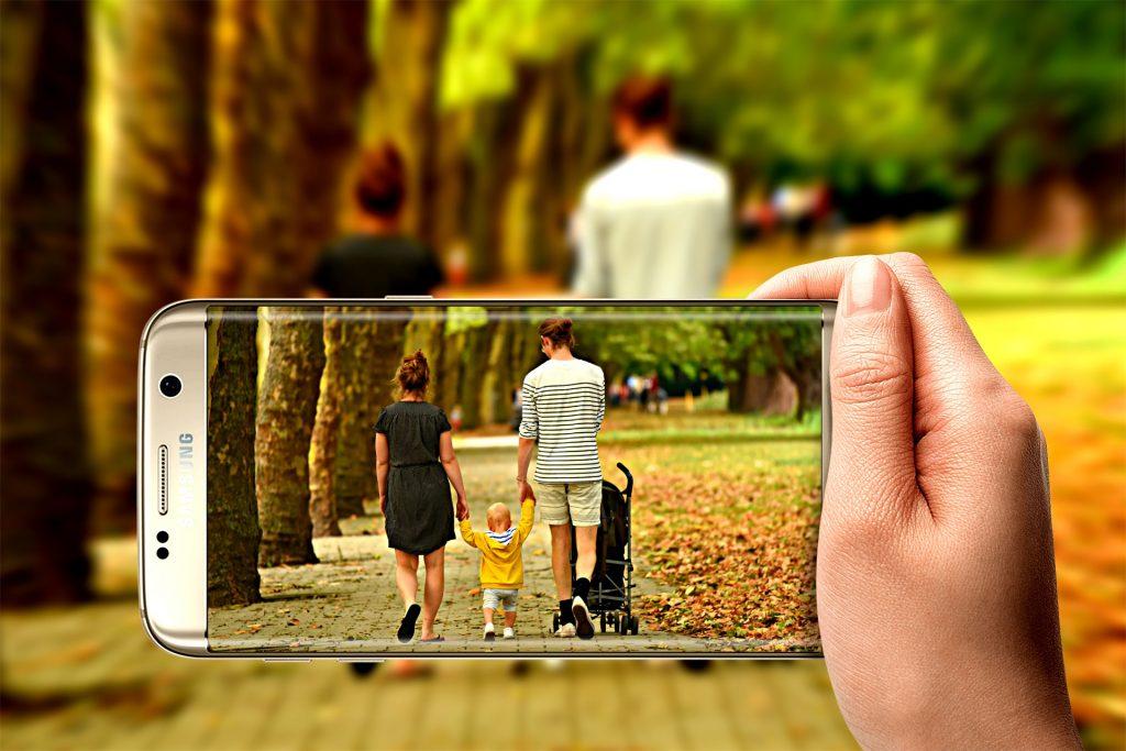 subir fotos hijos redes sociales consentimiento padres abogados familia